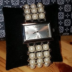 ⌚NY & Co. Quartz Bracelet Watch Pearl Band OS